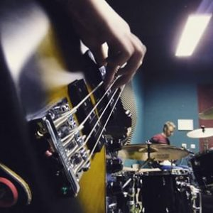 muziekband basgitarist