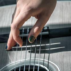 Leren gitaar tokkelen